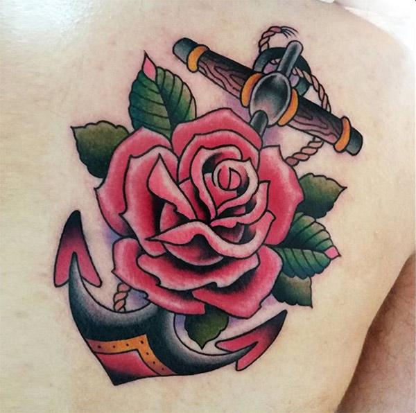 tatuaggio ancora femminile